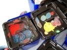 Tapas de bidones utilizadas como paletas de pintura